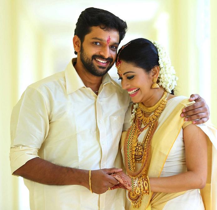 Actress shivada nair married actor murali krishnan for K murali mohan rao director wikipedia