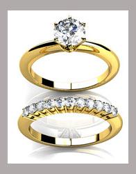 Elegante anillo de compromiso