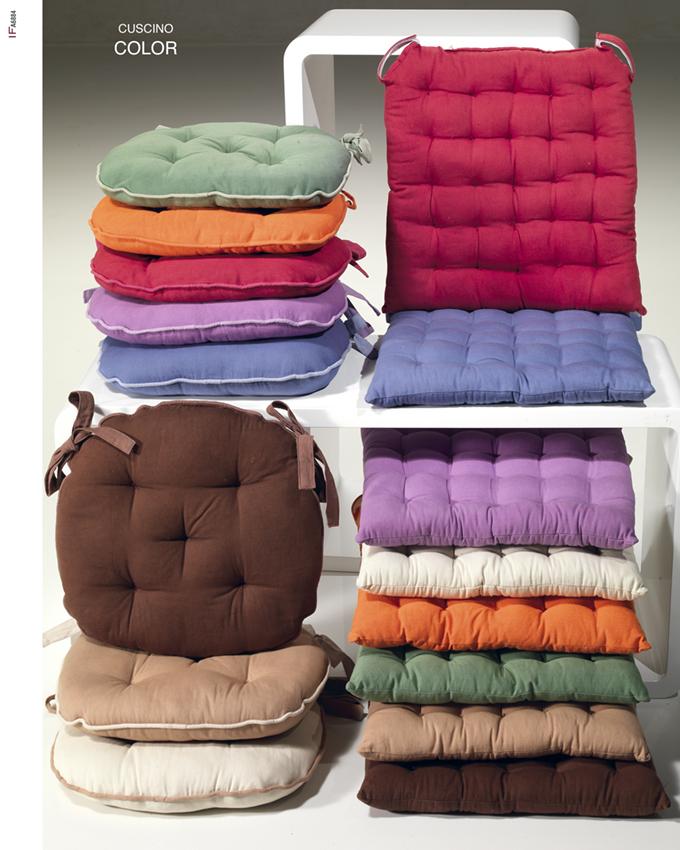 Cuscini cuscini sedia cuscini divano e arredo tappeti for Cuscini materasso arredo