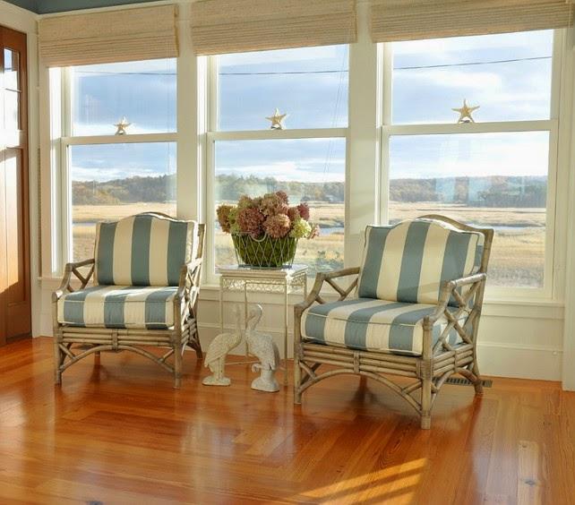 Lo shabby di mila classic design for Beautiful beach house interiors