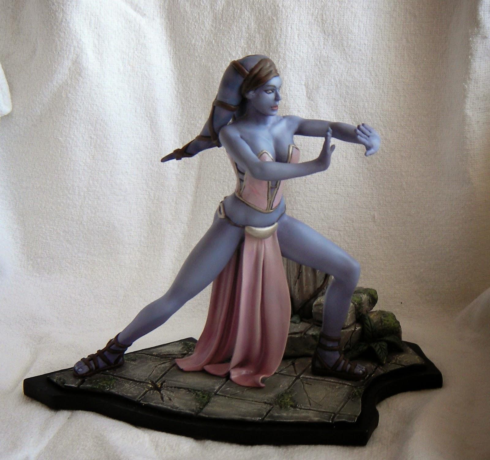 NIMAJNEB SCULPTURE: Aayla Secura statue