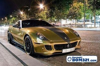 Kereta Ferrari Dari Emas Tulen