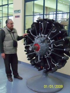 Con motor radial en el Museo Aeronáutico