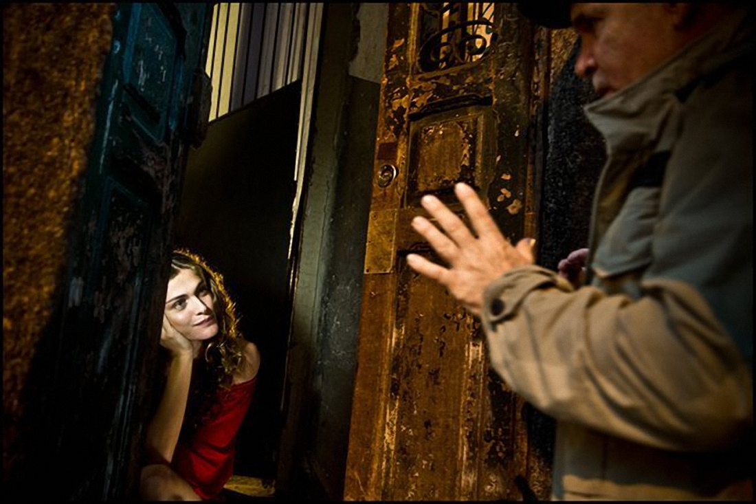 elisa sednaoui by steve mccurry (i think) -  behind the scenes for pirell