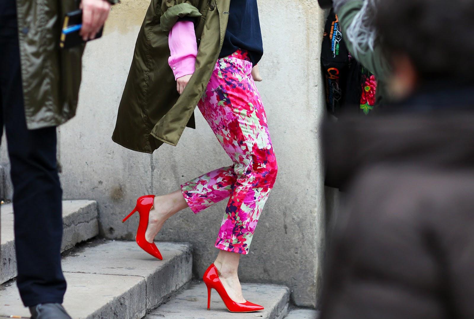 http://3.bp.blogspot.com/-dnZSSDz51Jg/T2FLBimyW5I/AAAAAAAAL2k/6EooCE9gDgo/s1600/la+modella+mafia+paris+street+Zara+pumps.jpg