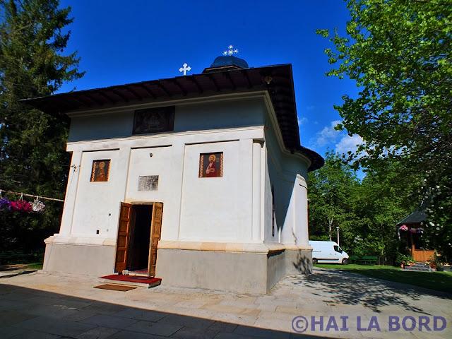 biserica manastirii trivale pitesti