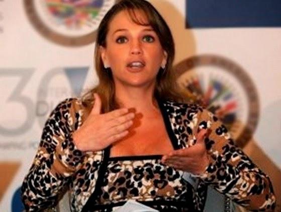 politisi tersexi di dunia Luciana Leon