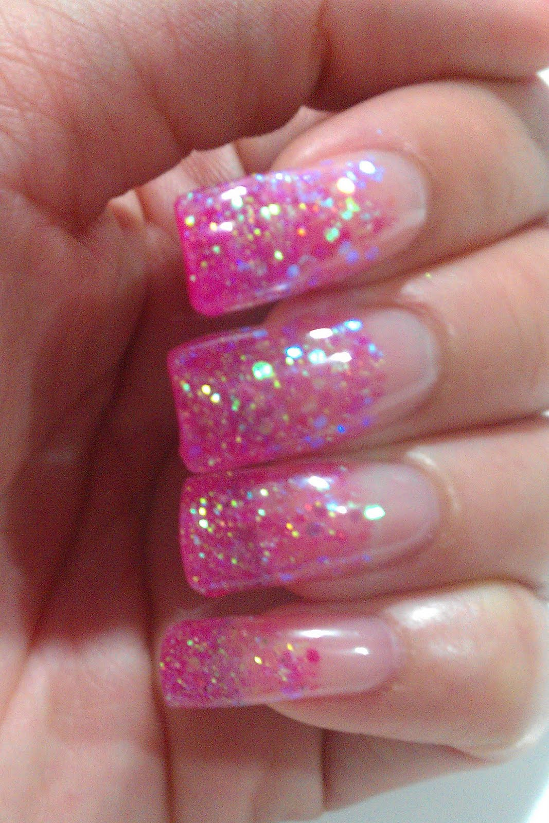 The Clover Beauty Inn: NOTD: Pink Glitter Gel Nails