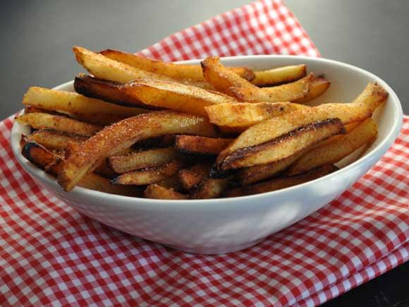 картофель - 4-5 шт . ; масло растительное - 1 стол.л.