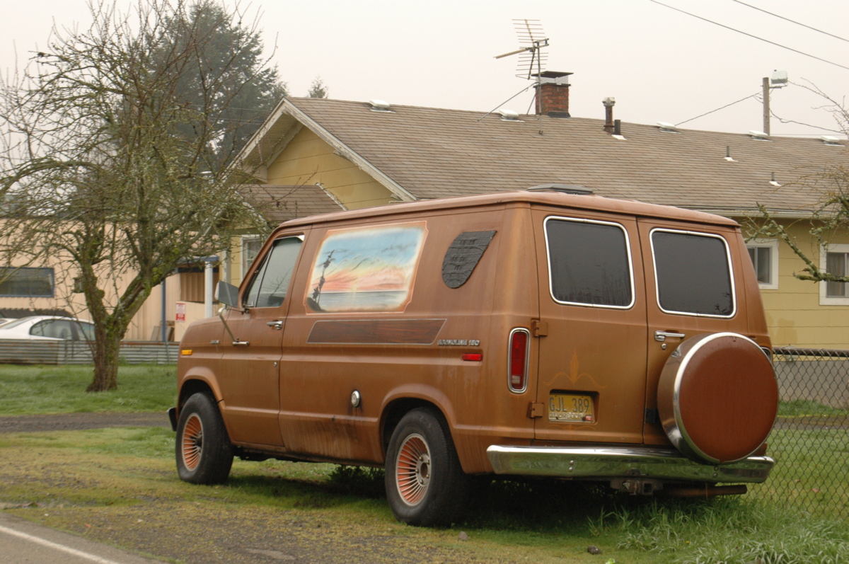 Old Parked Cars 1975 Ford Econoline 150