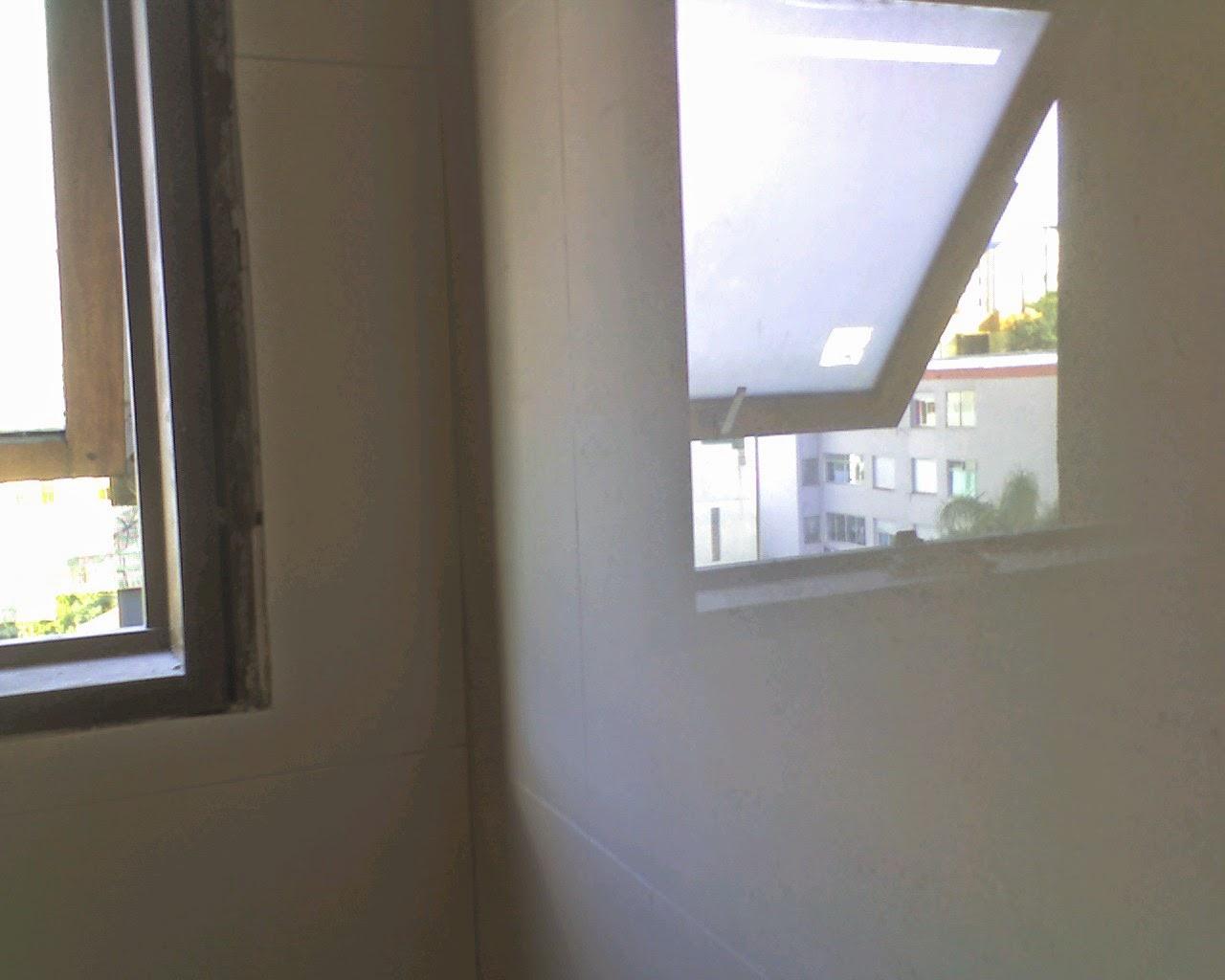para nas faixas verticais com azulejo espanhol quadriculado em tons de  #888443 1280x1024 Banheiro Com Azulejo Quadriculado