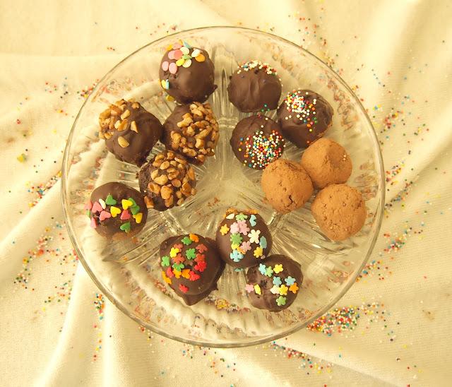 Anu Chocolaty Cakes
