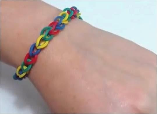 Cómo hacer una pulsera de gomas de cadena simple