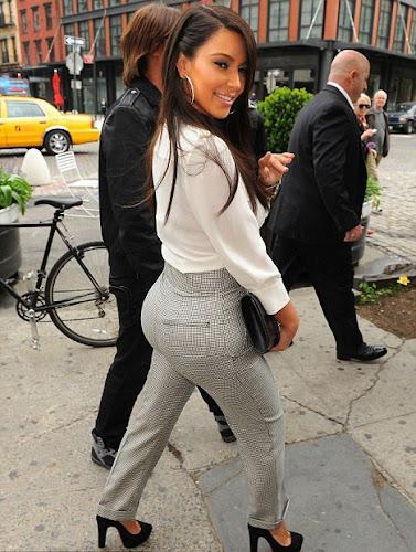 Kim Kardashian Pics 2012