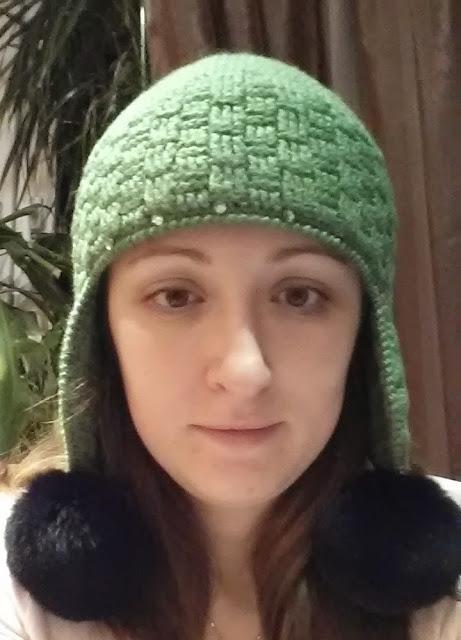 Теплая шапка с ушками крючком узором плетенка