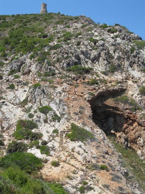 Escales de la Punta de l'Aigua Dolç camí de la cova Tallada