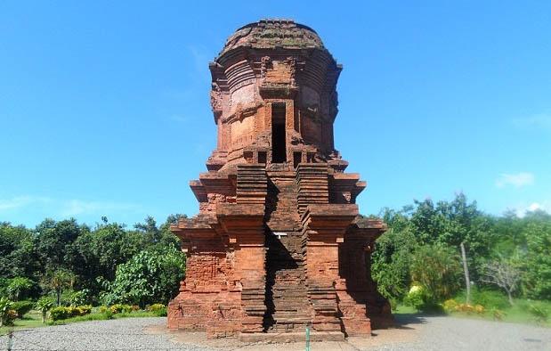 Kerajaan Majapahit yaitu sebuah kerajaan besar yang tumbuh dan berkembang di Nusantara pa 9 Candi Peninggalan Kerajaan Majapahit, Gambar, dan Isinya