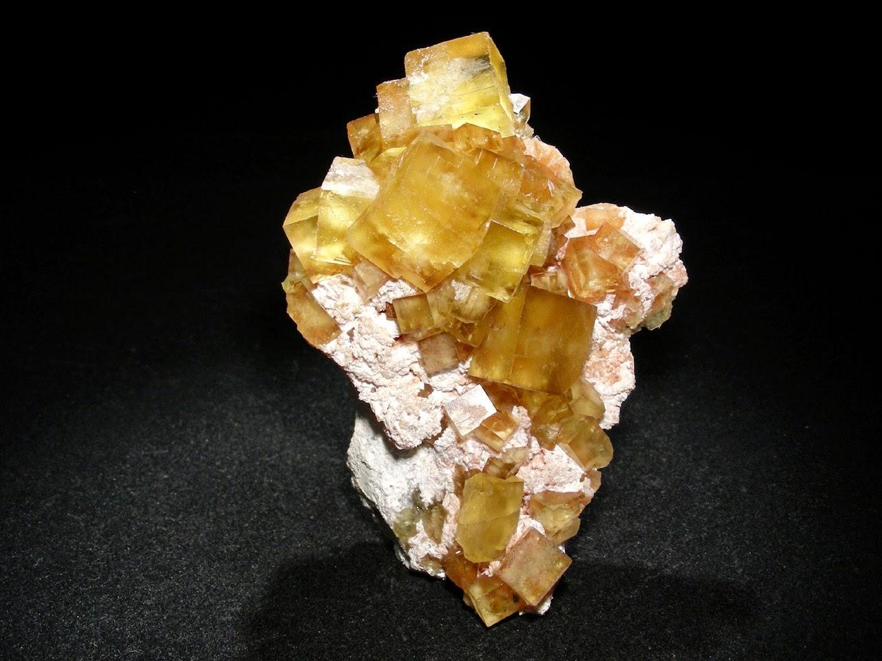 Jang 39 ka les pierres du schendi et leur signification for La couleur jaune signification