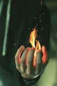 Heridas que por la noche arden como fuego.
