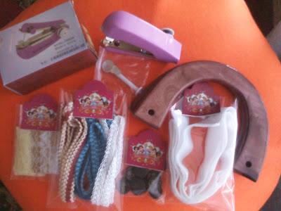 mesin jahit mini, renda, gagang tas, magnet, dan renda ini