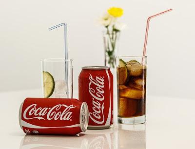 Coca Cola, contoh minuman berkarbonat atau bergas yang tinggi kandungan gula