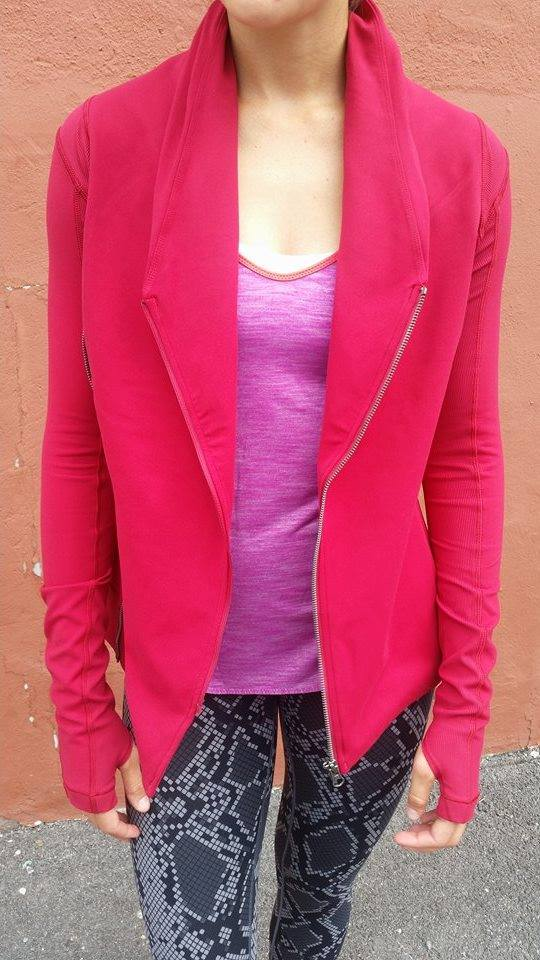 lululemon-bhakti-yoga-jacket cranberry