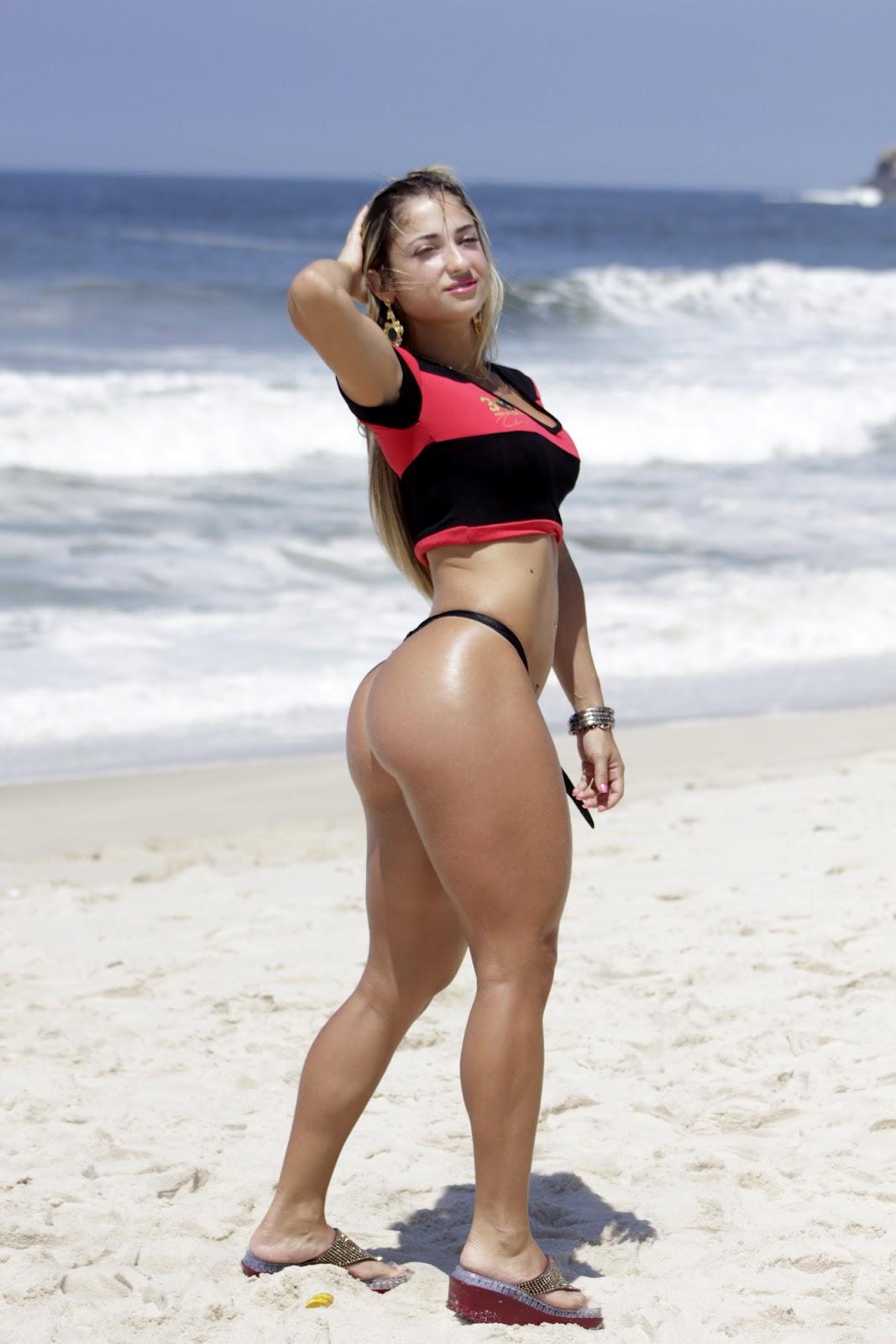 http://3.bp.blogspot.com/-dpmRMxKcDgE/UGPKEJWeKiI/AAAAAAAADpY/O0eXiHCmlkA/s1600/Priscila-Freitas-musa-do-Flamengo-+(4).JPG