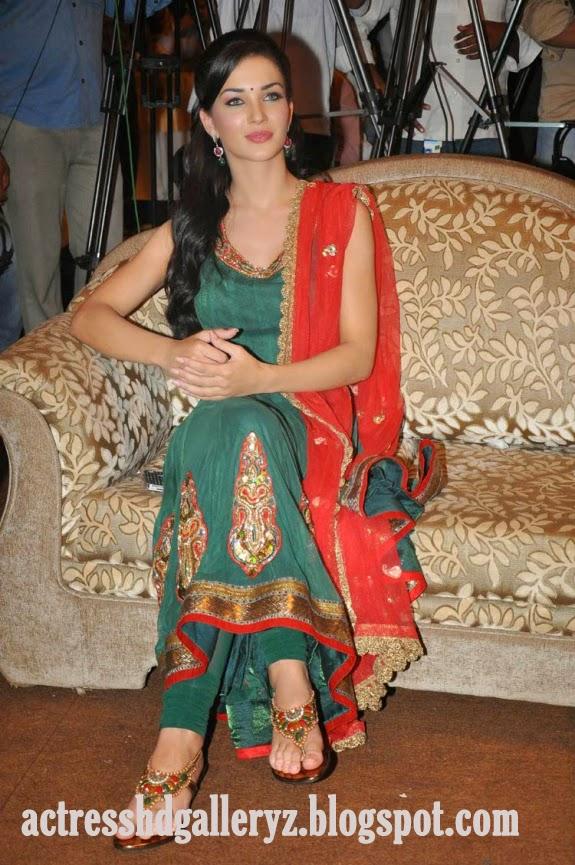 A, Amy jackson, Amy jackson Hot pics, HD Actress Gallery, latest Actress HD Photo Gallery, Latest actress Stills, Tamil Actress, Tamil Actress photo Gallery, Hot Images, Indian Actress, Actress, Amy jackson Tamil actress Latest Hot Photoshoots