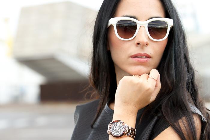 Tendencia en accesorios relojes y gafas de sol