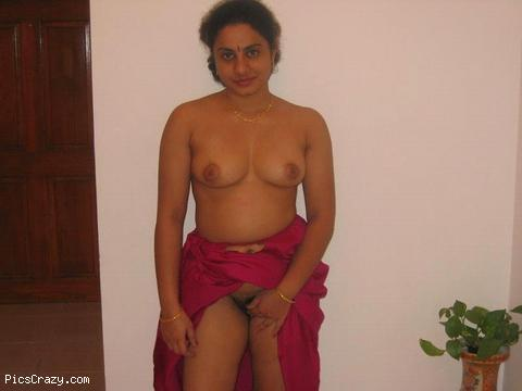 umbalarasi beautiful saree aunty pics