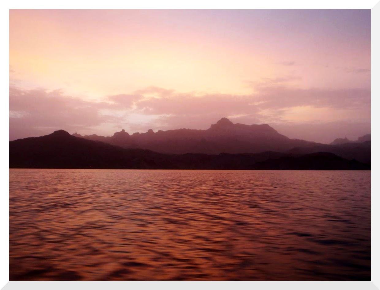 Sunrise 55 mile paddle, Willow Beach to Katherine's Landing, 28 AUG 2014