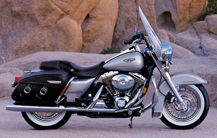 Harley-Davidson FLTR Road Glide Bikes Photos