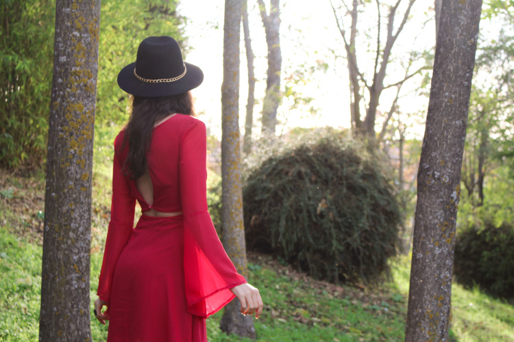 OOTD: backless Red dress, black hat