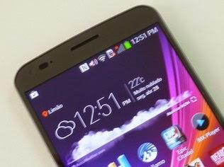 LG G Flex tem tela de 6 polegadas com resolução HD
