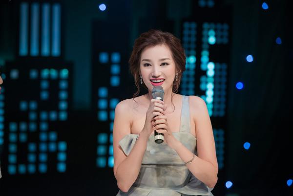 Tại sự kiện, cô có buổi giao lưu thú vị với khán giả về kỳ nghỉ của vợ chồng cô tại Hokkaido.