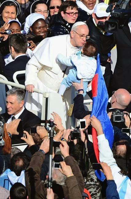 iglesia catolica anuncia evangelio: