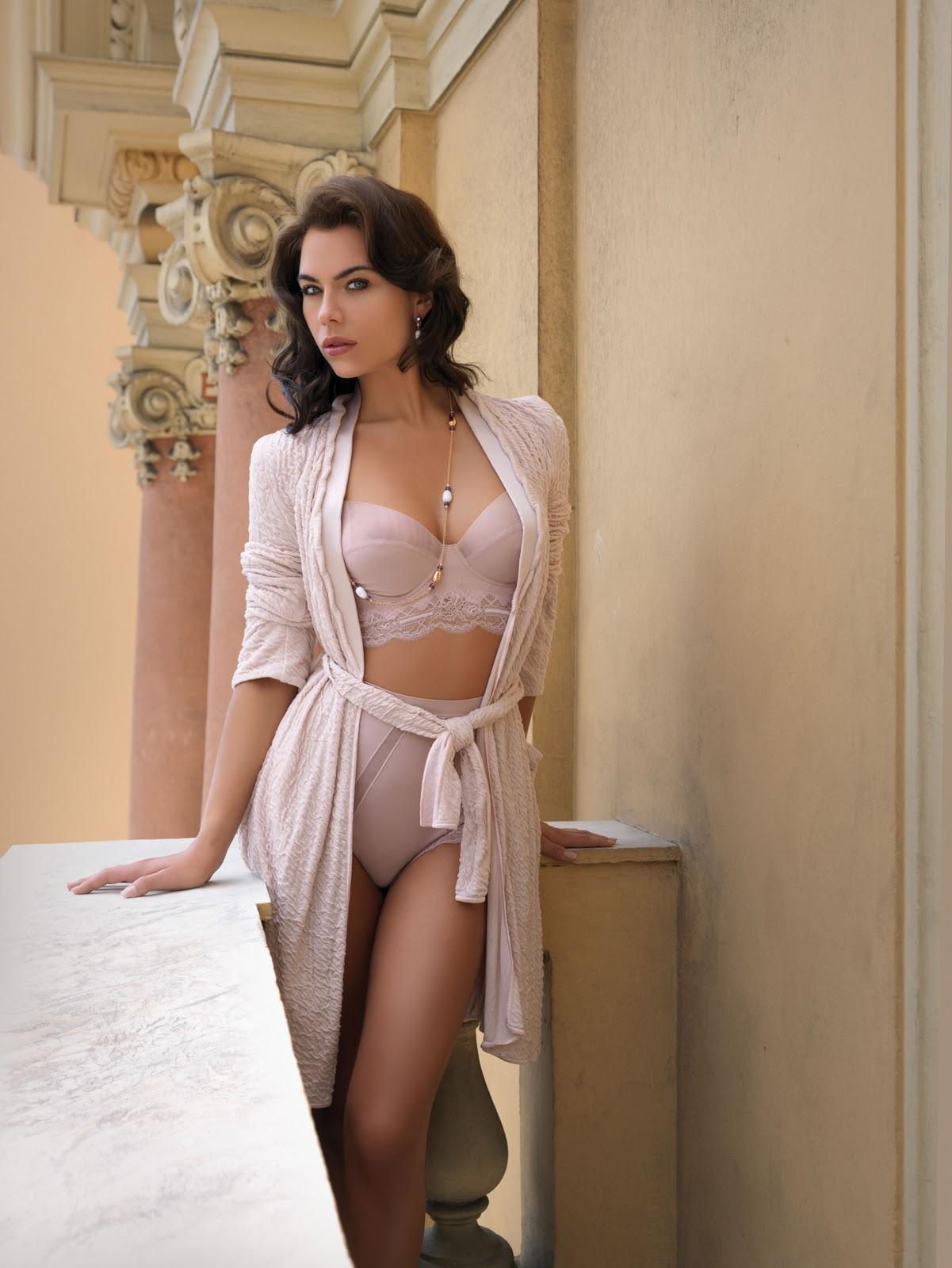 naked lingerie models in bed