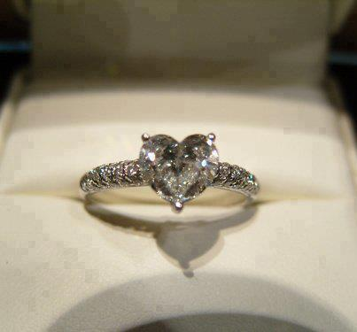 Beuatiful Engagement Rings For Men