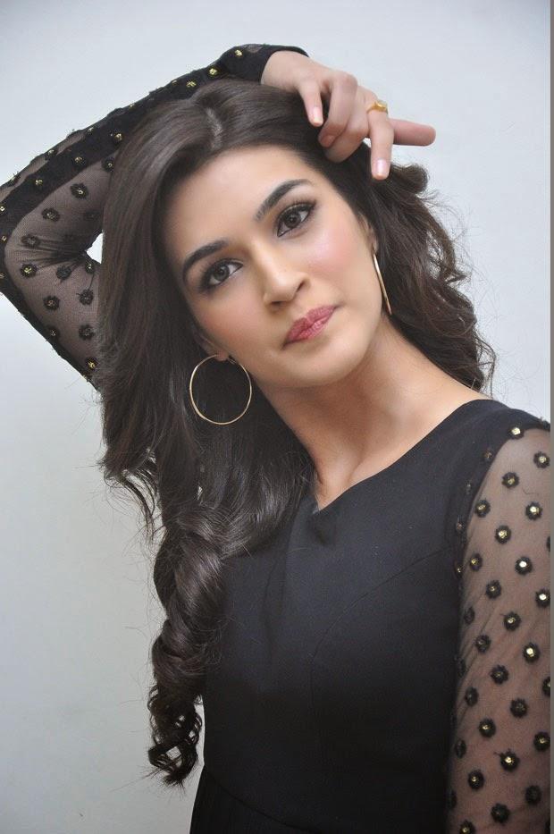 Kriti Sanon was mahesh babu's actress.Kriti-Sanon-hot-sexy-upskirts-seminude-saree-miniskirts-brapanty-wardrobemalfunction-skirts-swimsuit-bikini-hottest-HD-Pics at bollywoodaddaa