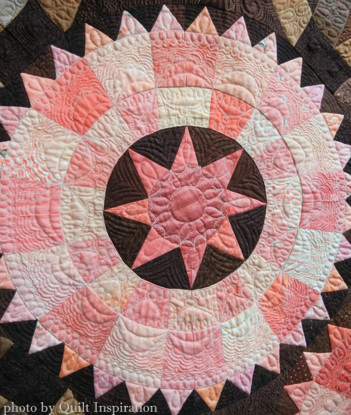 Quilt Inspiration: Beating the Heat at the 2015 Arizona Quilt Show #2