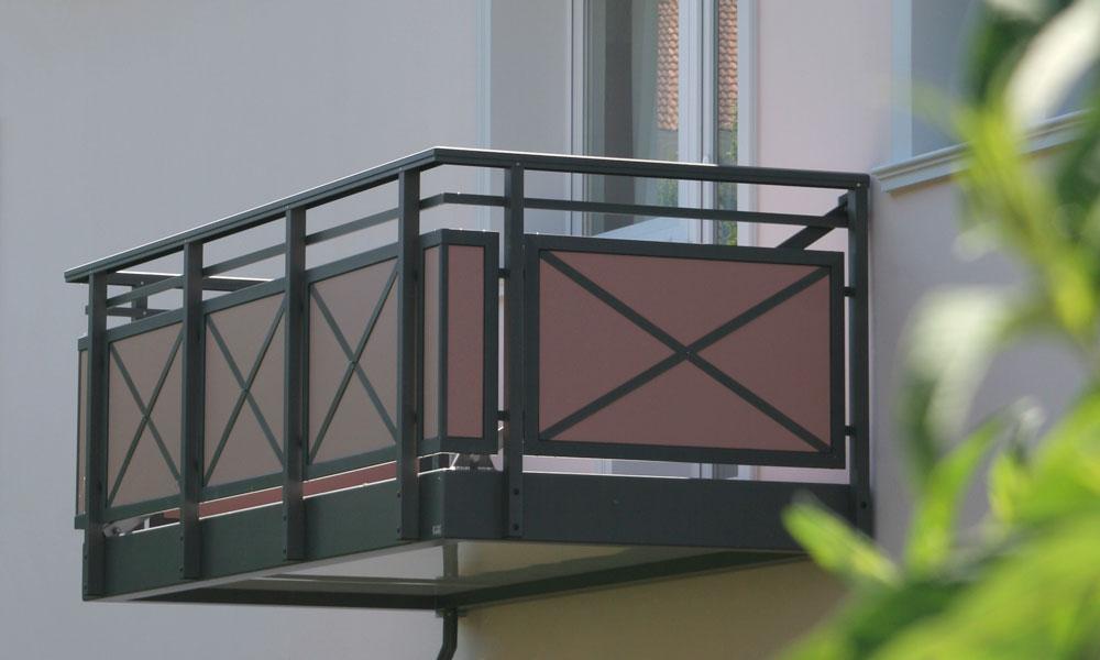 Rumah Cantik Dan Indah Dengan Balkon Multifungsi Wajib Baca