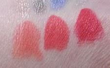 Pupa Navy Chic: Miss Pupa Velvet Mat. Da sinistra a destra 001 Chic Pink, 002 Cranberry Red e 003 Deep Red.