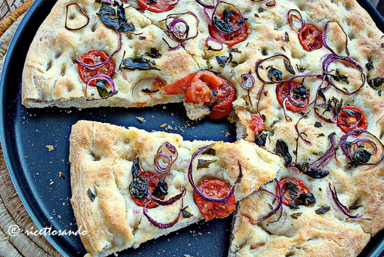 Pizzapane ovvero come ti utilizzo un esubero di pasta madre ricetta focaccia
