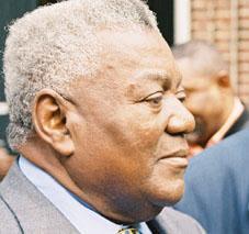 Líder rebelde de Cabinda lamenta falta de resposta a proposta de cessar-fogo...
