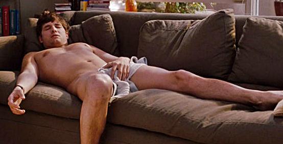 Ashton Kutcher knuser Charlie Sheen – i USA – da i Two and a Half Men! thumbnail