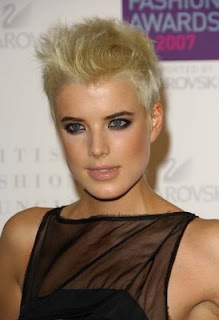 Agness Deyn Short Hairstyles for Blonde Hair
