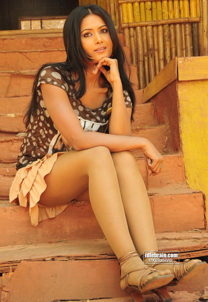 Daily Mirror Sri Lanka: Sri lankan Actress Upeksha