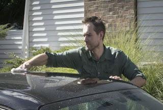 Το ήξερες; Πως θα πλύνεις το αυτοκίνητό σου μόνο με ένα ποτήρι νερό;