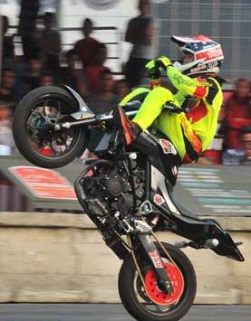 MOTOR YAMAHA MT25 WAWAN TEMBONG
