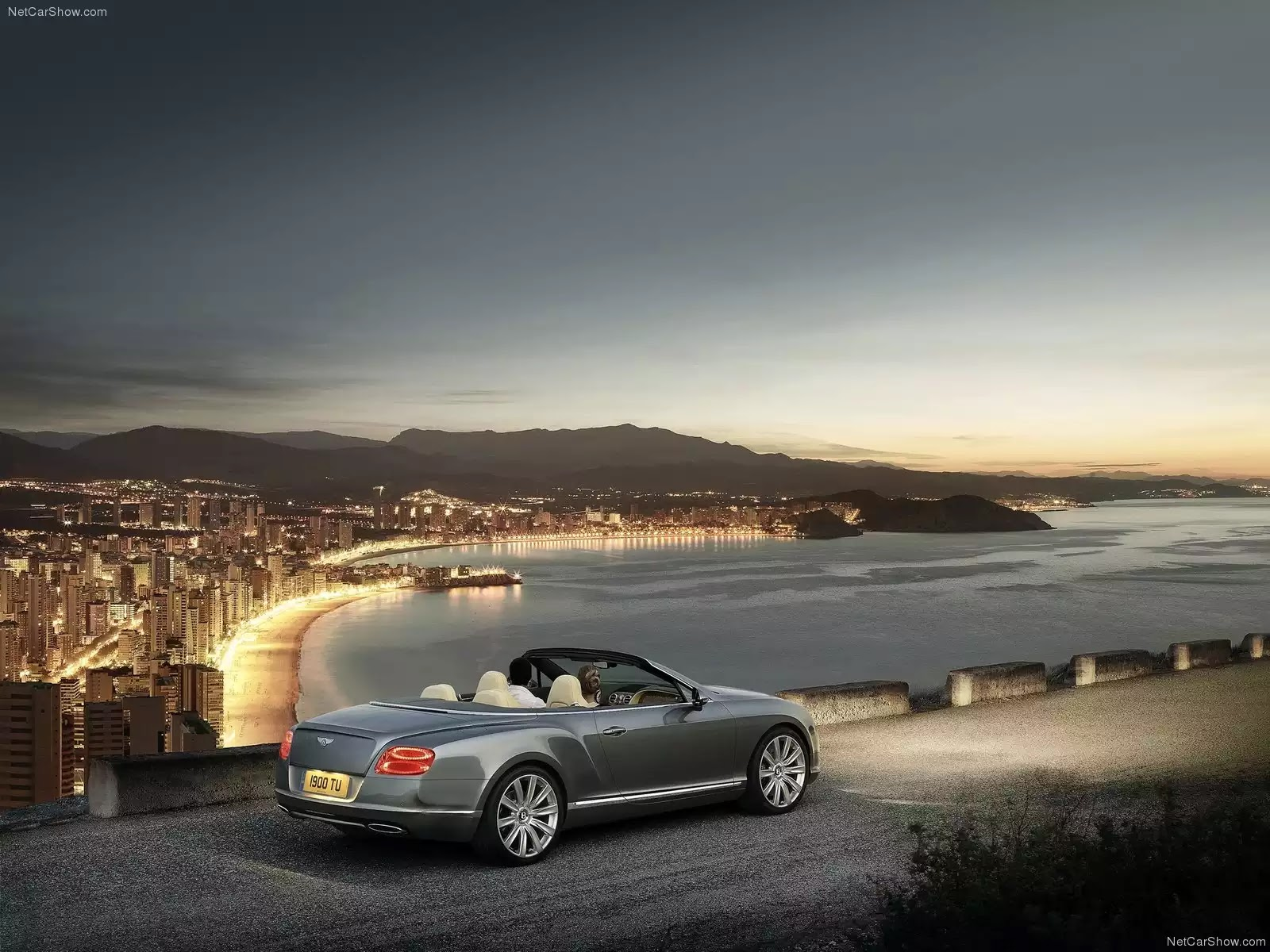 Hình ảnh xe ô tô Bentley Continental GTC 2012 & nội ngoại thất